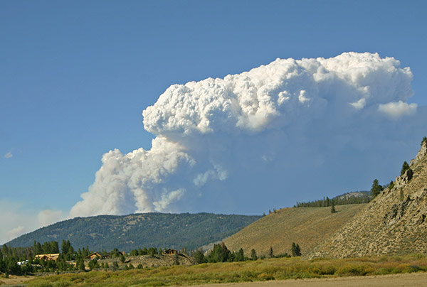 red-bluff-fire-hwy21.jpg